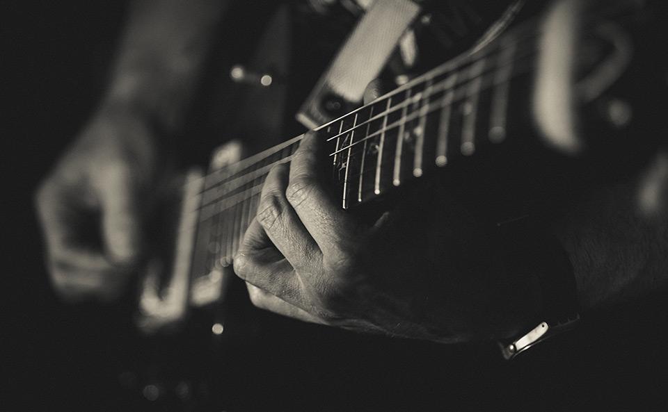 Guitar_HERO_b